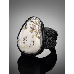 """Exclusive ring made of leather, decorated with a unique textured amber """"Nefertiti"""""""