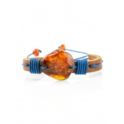 """Bracelet of leather coffee color with a large piece of natural amber """"Copacabana"""""""