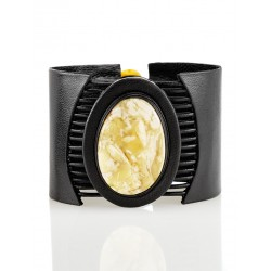 """Bracelet made of genuine leather, decorated with an insert made of beautiful amber """"Amazon"""""""