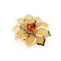 Brooch in the shape of a flower with natural Baltic amber crystals and Beoluna
