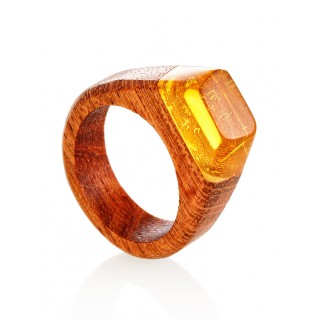"Wooden ring decorated with a lemon amber ""Indonesia"""