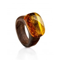 "The striking ring nut timber with an insert of natural amber ""Indonesia"""