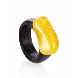 "Ethnic ring hornbeam timber with natural amber ""Indonesia"""