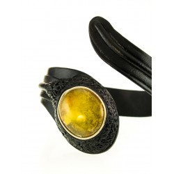 """Bracelet made of leather """"Snake"""" with an inset of green amber"""