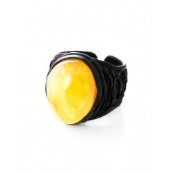 """The large ring-ring of the skin with oval insert amber honey """"Nefertiti"""""""