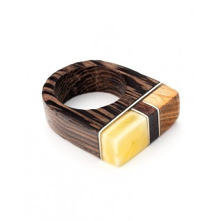 "Ring ""Indonesia"" made of wood and natural piece of amber"