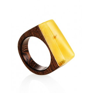 "Ring in wenge and natural amber ""Indonesia"""