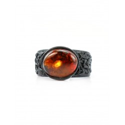 Ring made of genuine leather with amber-colored tea