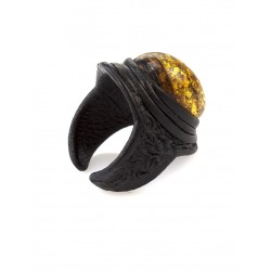 Leather ring-ring with a large sparkling cognac amber