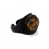 "Leather ring with oval insert from natural sparkling Baltic amber ""Nefertiti"""