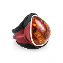 """Close the original ring """"Nefertiti"""" from genuine leather and amber"""