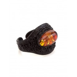 """Original leather with an insert ring made of natural Baltic amber """"Nefertiti"""""""