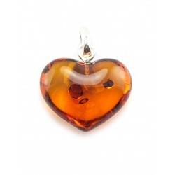 Pendant heart with natural roasted amber