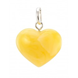 Pendant heart with natural light honey Baltic amber