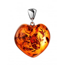 Luxury heart-shaped pendant in natural dark cognac amber