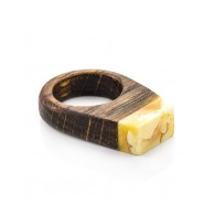"Stylish ring made of wood, decorated with a piece of natural amber honey ""Indonesia"""