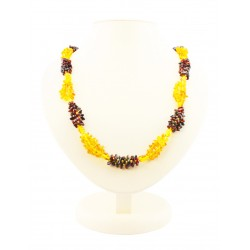 "Amber beads of beads, pebbles brandy and cherry colors ""Pigtail two-tone"""