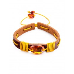 """Bright leather bracelet with a piece of natural amber """"Copacabana"""""""