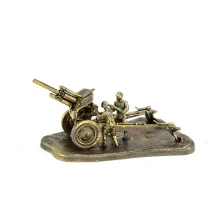 Scale model of the Russian M-30 122 mm Howitzer (1:72), bronze