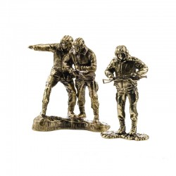 Set of Soldiers, Tankers (3 items, 1:35), bronze