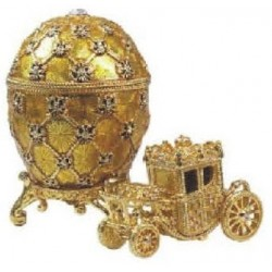 Egg with carriage large in assortment