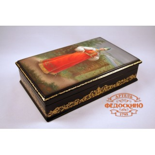 Russian Painted Box with the image - Boyaryshnya