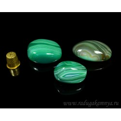Mineral agate tumbling tinted, green 20 * 25 * 35mm, 30-50gr.