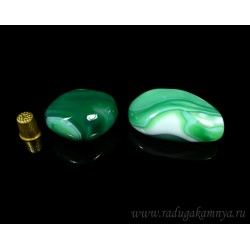 Mineral agate tumbling tinted, green 25 * 35 * 40mm, 80-110gr.
