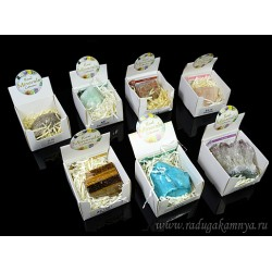 Collection of minerals in a box, 32pcs
